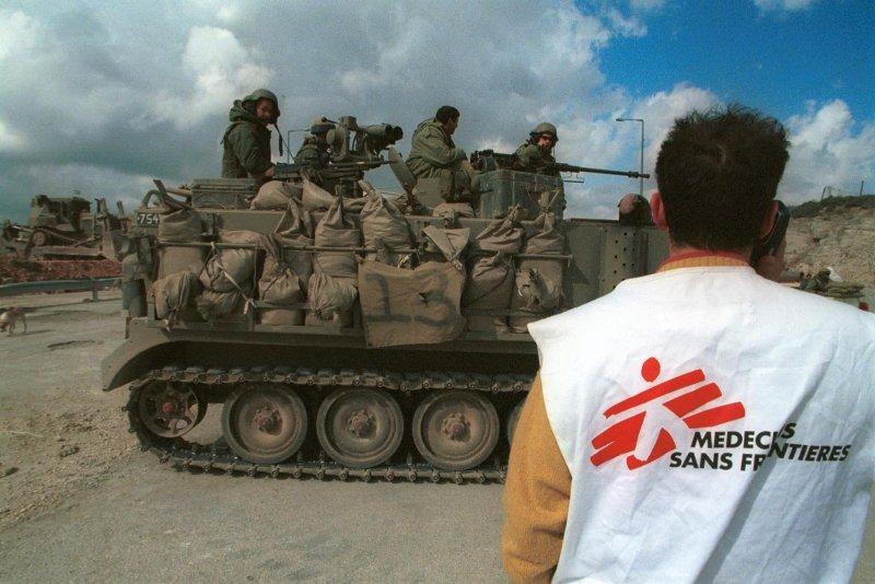 حواشی سفر پزشکان بدون مرز به ایران/ جنجال بر سر چند تخت خالی برای بیماران کرونایی