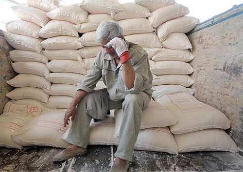 کارخانههای تولیدکننده آرد مشخصات لازم را روی کیسهها درج کنند