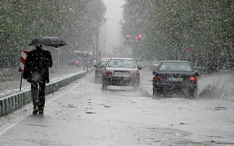 بارش باران و تگرگ در استان همدان