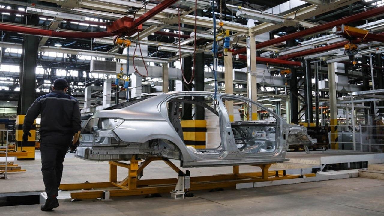 خودروهای ایرانی گرفتار طراحی های تکراری/کیفیت خودرو صدای وزیر را هم درآورد!
