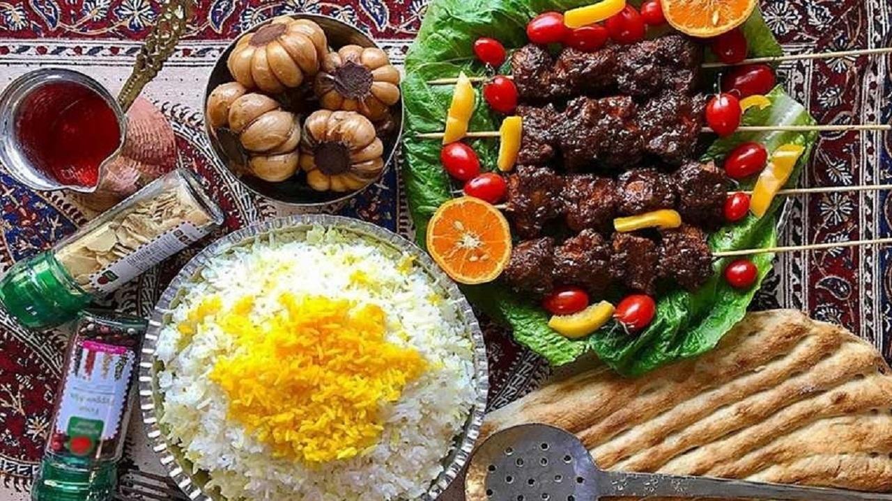 آموزش آشپزی؛ از ترفندهای خوشمزه شدن آش جو مجلسی و کباب لا پلو تا سوپ پرتقال و ژله مجلسی بته جقه + تصاویر