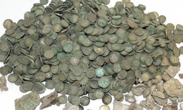 کشف یک گنجینه گرانبها در یک مزرعه