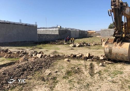 تخریب ساخت و سازهای غیرمجاز در اراضی کشاورزی باغملک