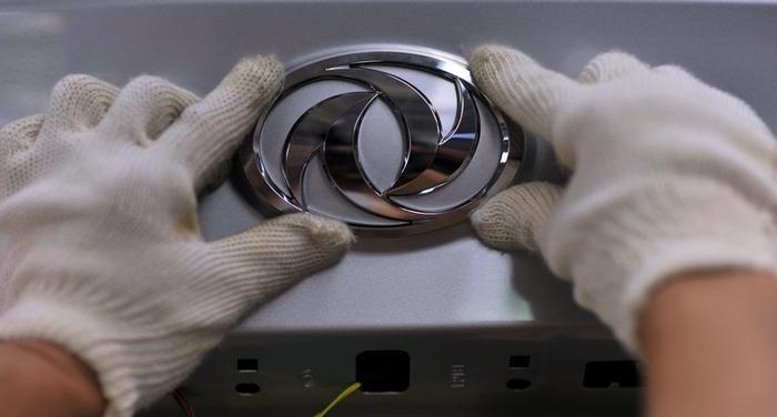 گزارش -  خودروی ایرانی یا کپی دیگر از چینی ها/ خودروسازان داخلی ایده جدید در طراحی ندارند!/ساخت ایران، با تشکر از چین!