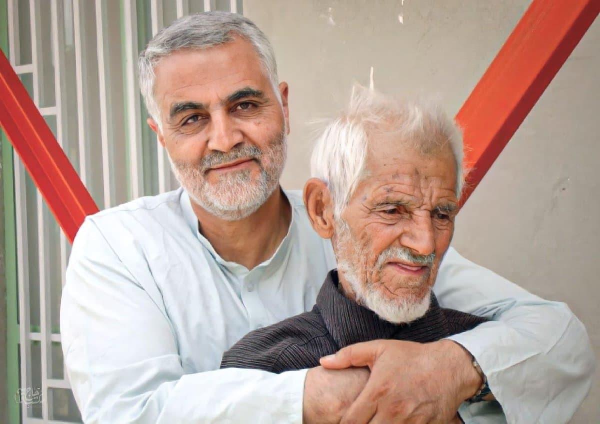 تصویری کمتر دیده شده از شهید حاج قاسم سلیمانی و پدرشان