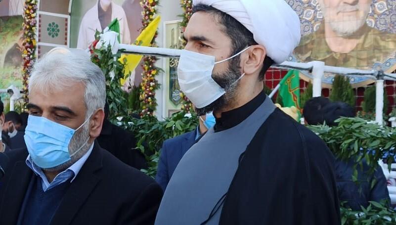رئیس دانشگاه آزاد در گلزار شهدای کرمان