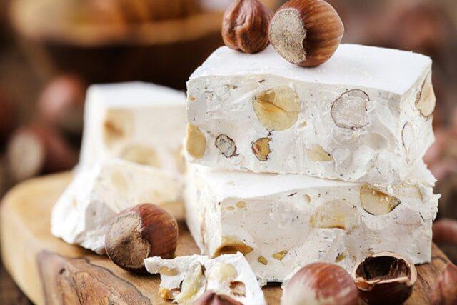 طرز تهیه شیرینی نوقا ساده و شکلاتی، سوغات خوشمزه و پرطرفدار تبریز