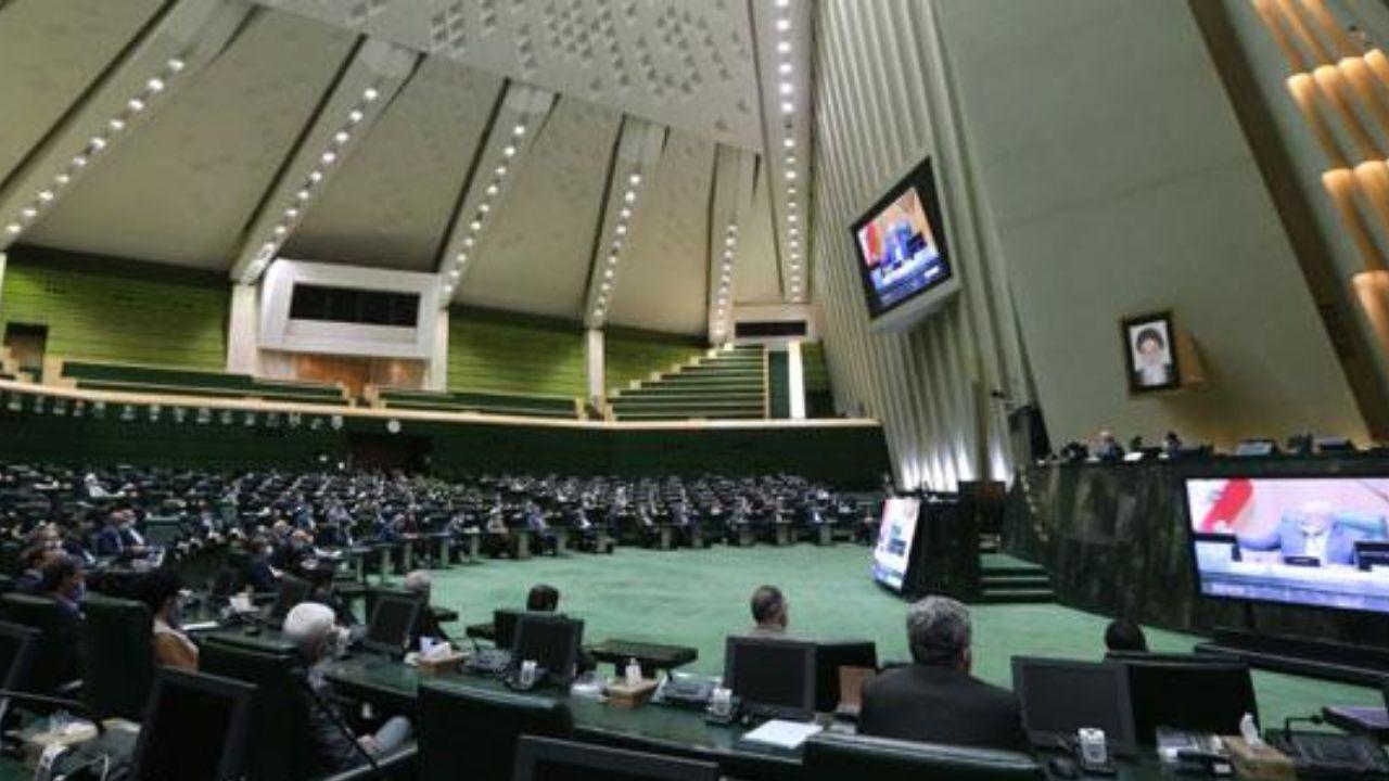 صحن علنی مجلس ۲ دی ماه آغاز شد/ سؤال از وزیر ارتباطات در دستور کار