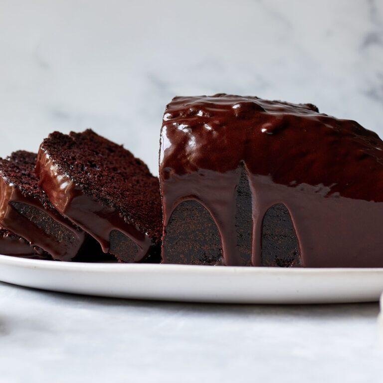 طرز تهیه مرحله به مرحله کیک ارده شکلاتی به ۲ روش در فر و بدون فر
