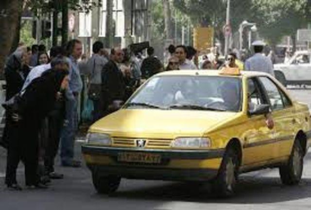 صندلیهای پُرِ تاکسیهایی که کرونا حریف آنها نشد/ تکمیل ظرفیت تاکسیهای گردشی و شخصی در روزهای کرونایی