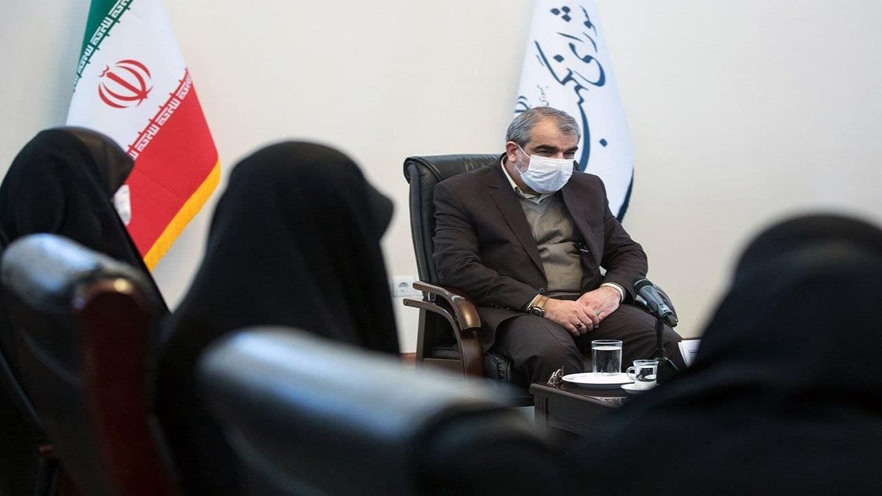 13275138 809 » مجله اینترنتی کوشا » دیدار و گفتوگوی جمعی از دانشجویان دختر بسیجی دانشگاههای تهران با کدخدایی 1