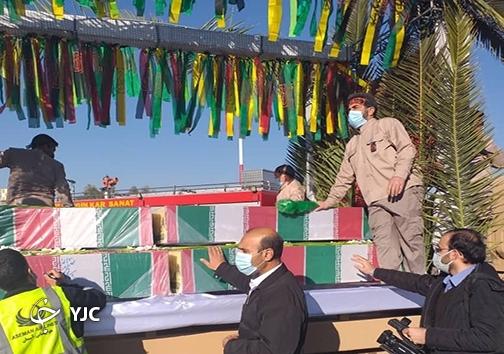 استقبال از پیکر مطهر ۱۵ شهید گمنام دوران دفاع مقدس در شیراز
