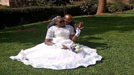عروسی که قدش دو برابر داماد است!