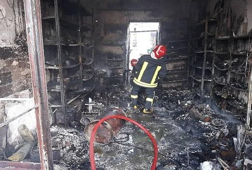آتش سوزی در تعمیرگاه موتورسیکلت در قم