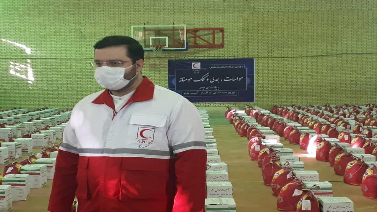 توزیع ۱۷۰۰ بسته کمکهای معیشتی در استان بوشهر