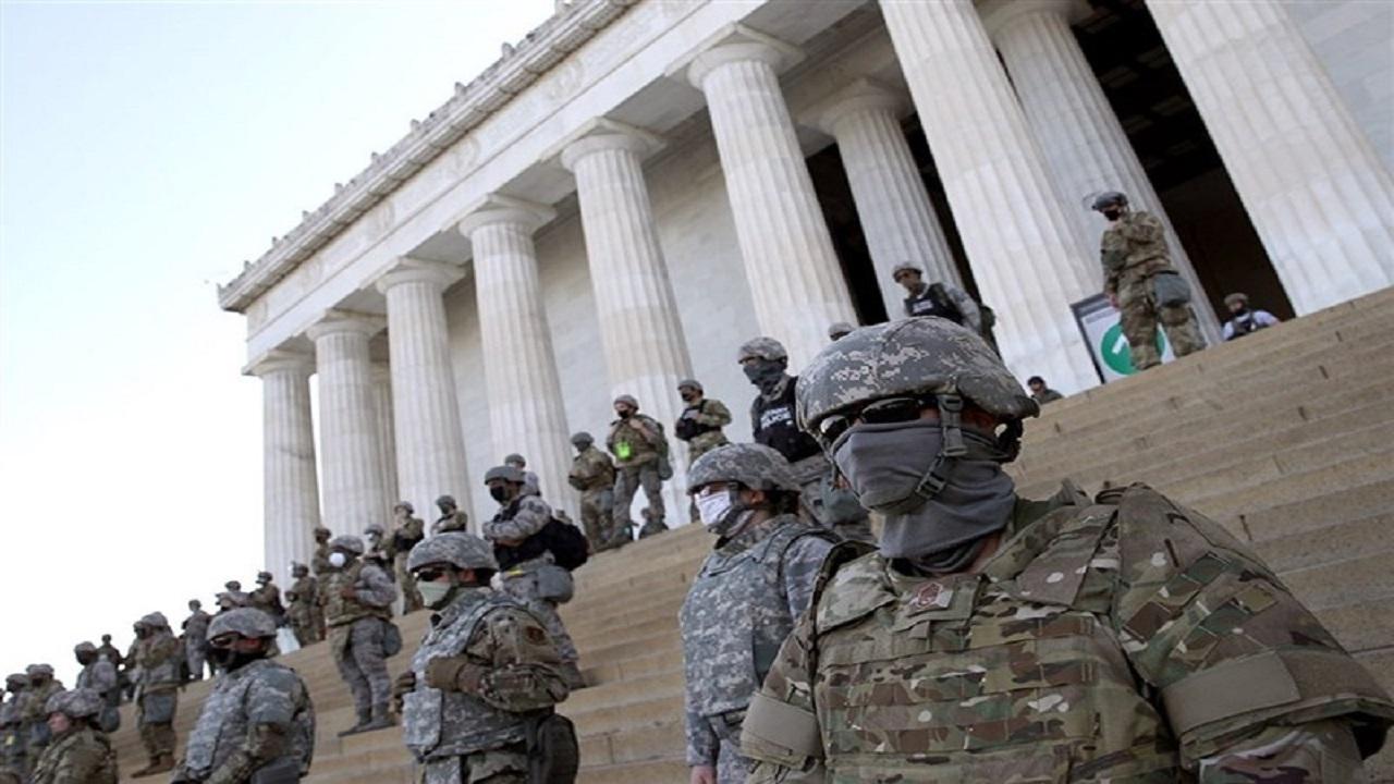 ///تبدیل ساختمان کنگره به پادگان نظامی/ افزایش ۱۰۰۰ نیروی نظامی اعزامی از ایالتهای سراسر آمریکا به گارد ملی در پایتخت
