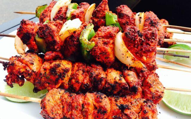 ۴ طرز تهیه مرغ تندوری یا مرغ تنوری هندی در تابه، فر، کبابی و ساندویچی