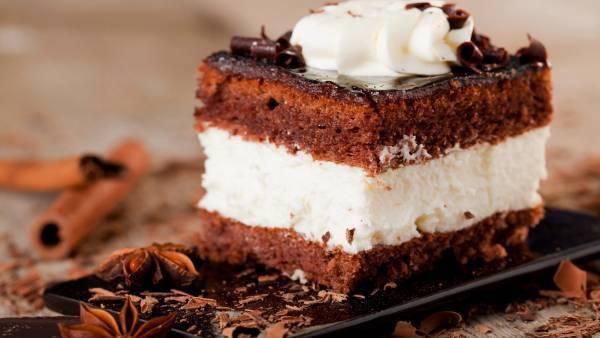 طرز تهیه کیک بستنی شکلاتی؛ خوشمزه و پرطرفدار
