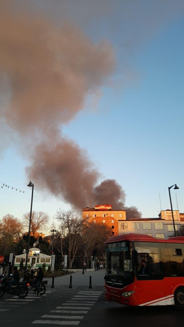 آتش سوزی چندسوله یک انبار باربری در خیابان شوش