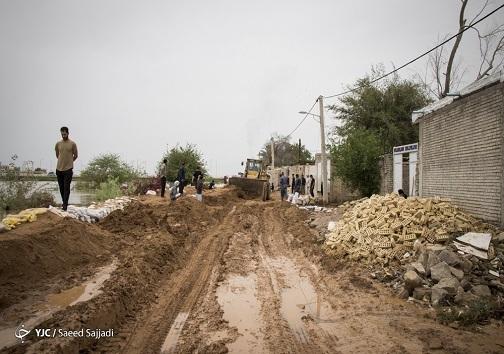 حفر سیل بند در یکی از روستا های خوزستان