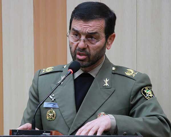 نشان فداکاری افتخاری ارتش به شهید سلیمانی اعطا میشود