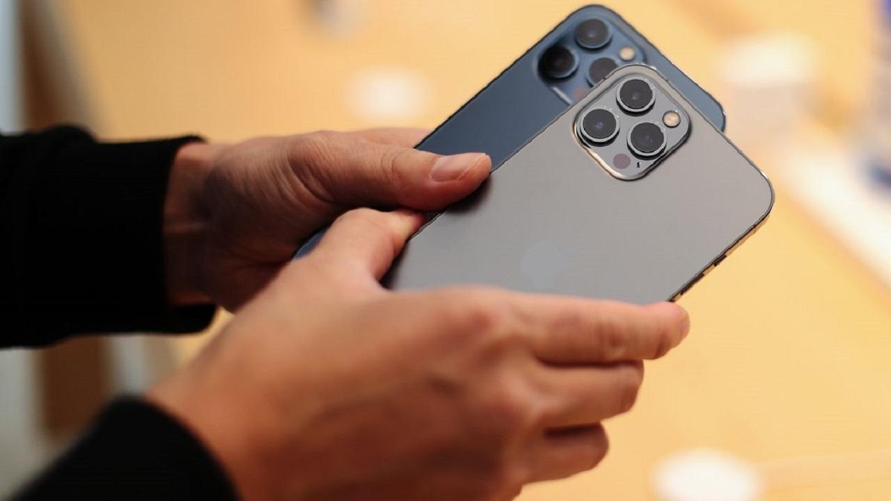 اپل رتبه دومین گوشی برتر دنیا را پس گرفت