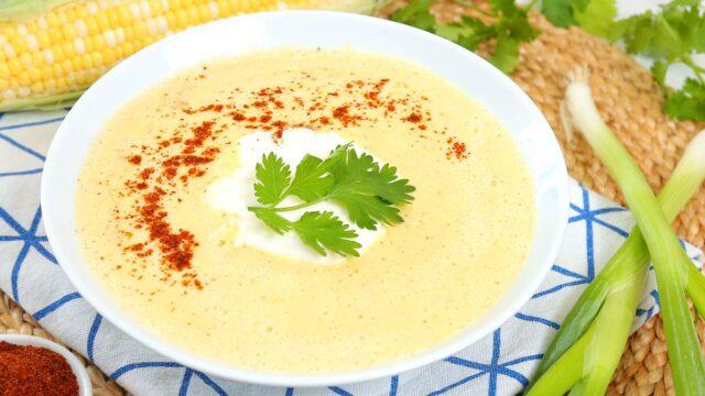 روش آماده کردن سوپ ذرت رستورانی به چند روش مختلف؛ یک پیشنهاد عالی برای روزهای سرد