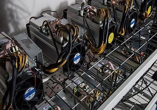 کشف تریاک از زیر بار پیاز / توقیف ۵۲ دستگاه ماینر قاچاق در شاهین شهر