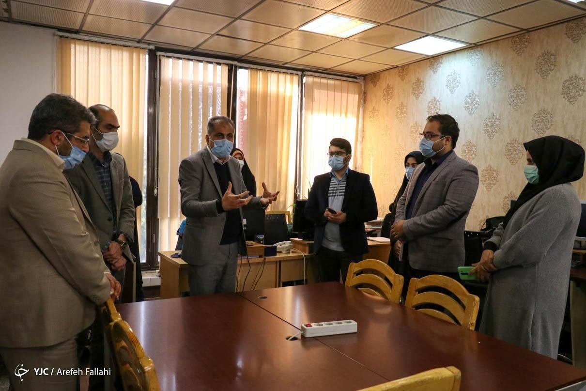 بازدید رئیس سازمان فضایی از باشگاه خبرنگاران جوان