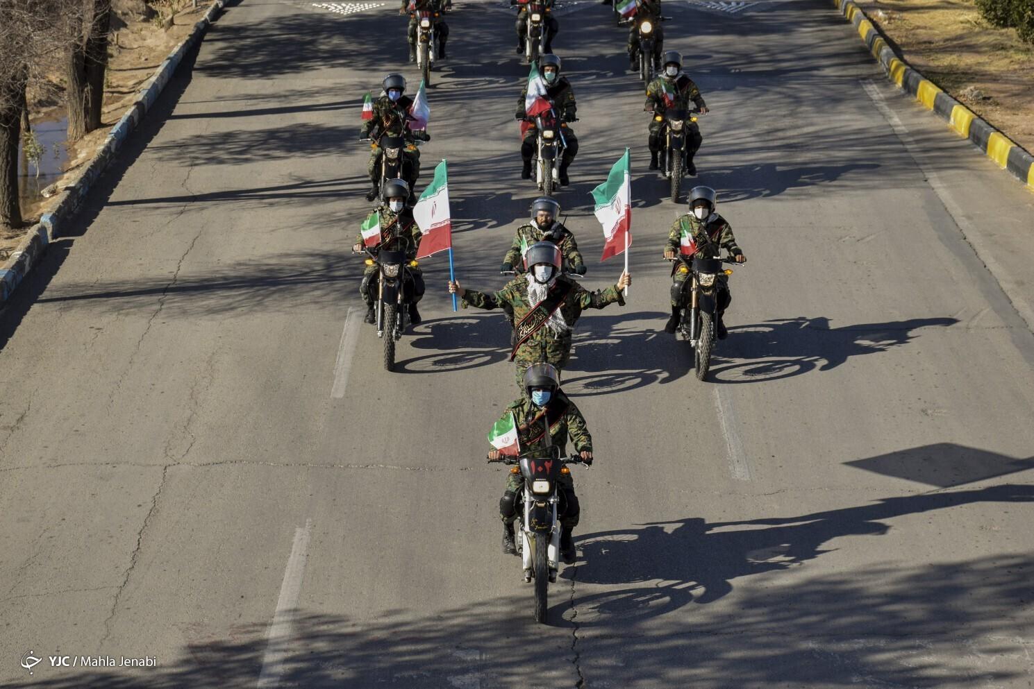 رژه موتوری به مناسبت آغاز دهه فجر در کرمان
