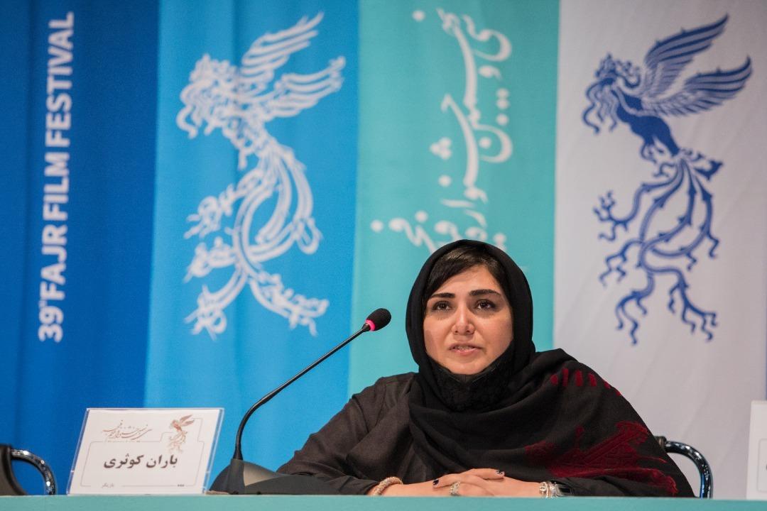 طفره رفتن عوامل از پاسخ به طعنههای سیاسی فیلم/ دلیل جدایی شهاب حسینی از «بی همه چیز» مشخص شد