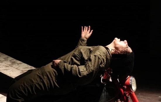نمایش «پاشوره»؛ روایتی از انتظار زنی بازمانده از جنگ