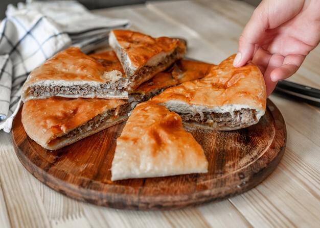 طرز تهیه کیک گوشت در فر و بدون فر + تمام فوت و فنهای کیک گوشت