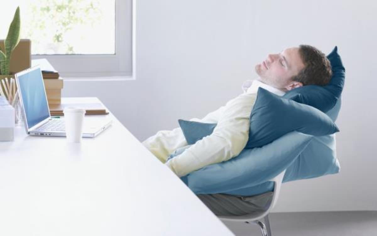 چرا به طور دائمی احساس خستگی میکنید؟