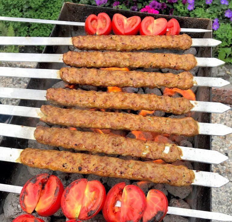 طرز تهیه کباب کوبیده ارزان و خوشمزه با سویا + ترفندهای نریختن کباب از روی سیخ
