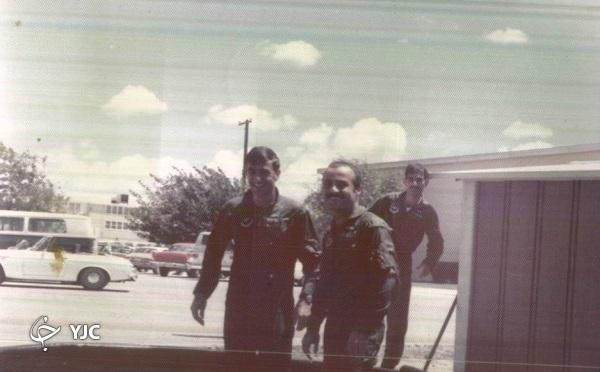کدام خلبان نیروی هوایی ارتش تحت تعقیب ساواک بود؟
