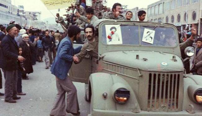 ارتش شاهنشاهی ارتش انقلابی میشود
