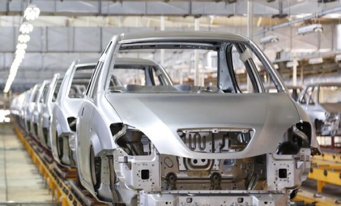 گزارش - بازار خودرو برعکس صحبت های وزیر حرکت می کند؟