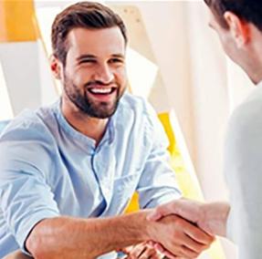 ۱۰ ترفند روانشناسی برای ترغیب مردم به انجام کاری که شما میخواهید