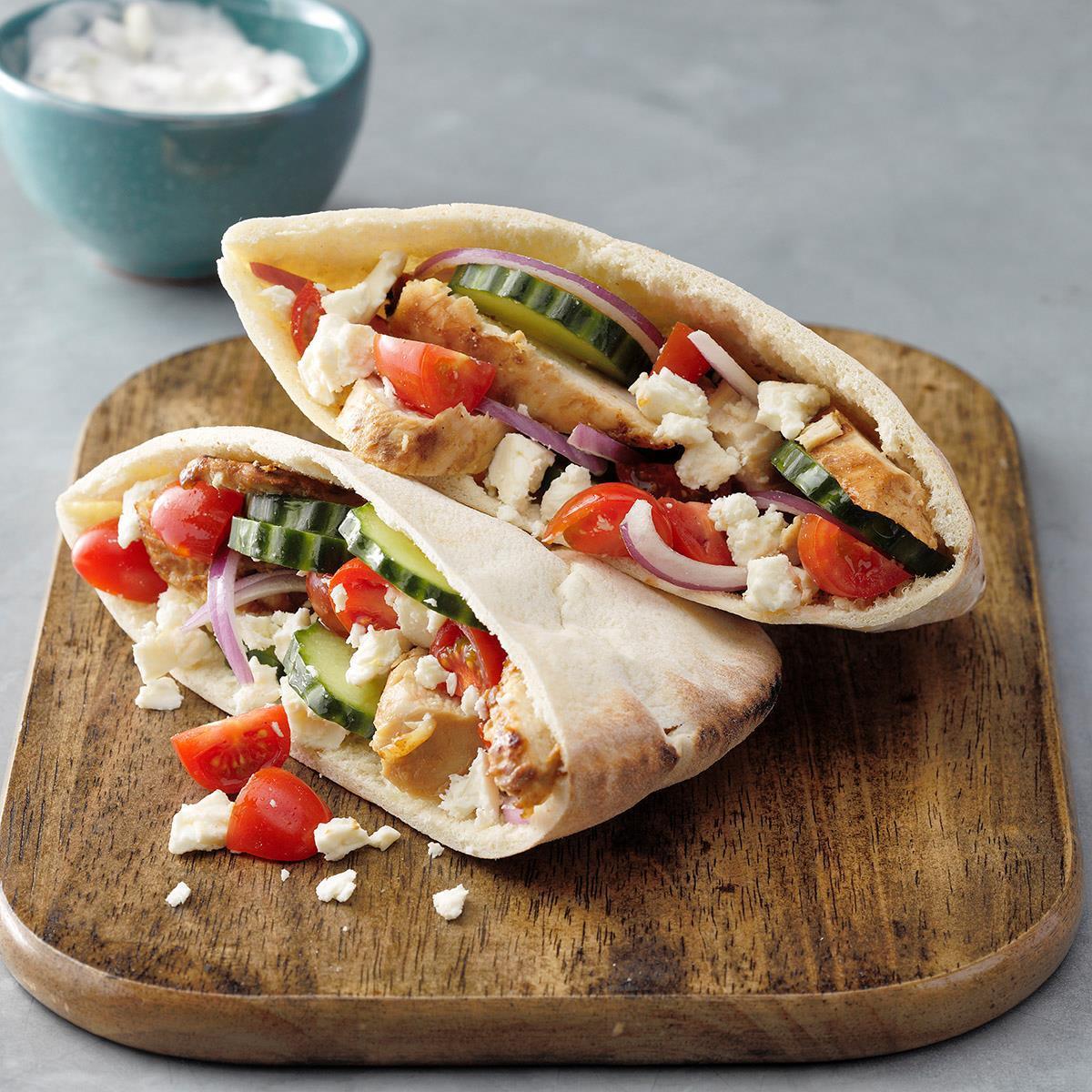 ۲ طرز تهیه ساندویچ چیکن رپ یونانی خوشمزه و لذیذ + طرز تهیه سس رپ