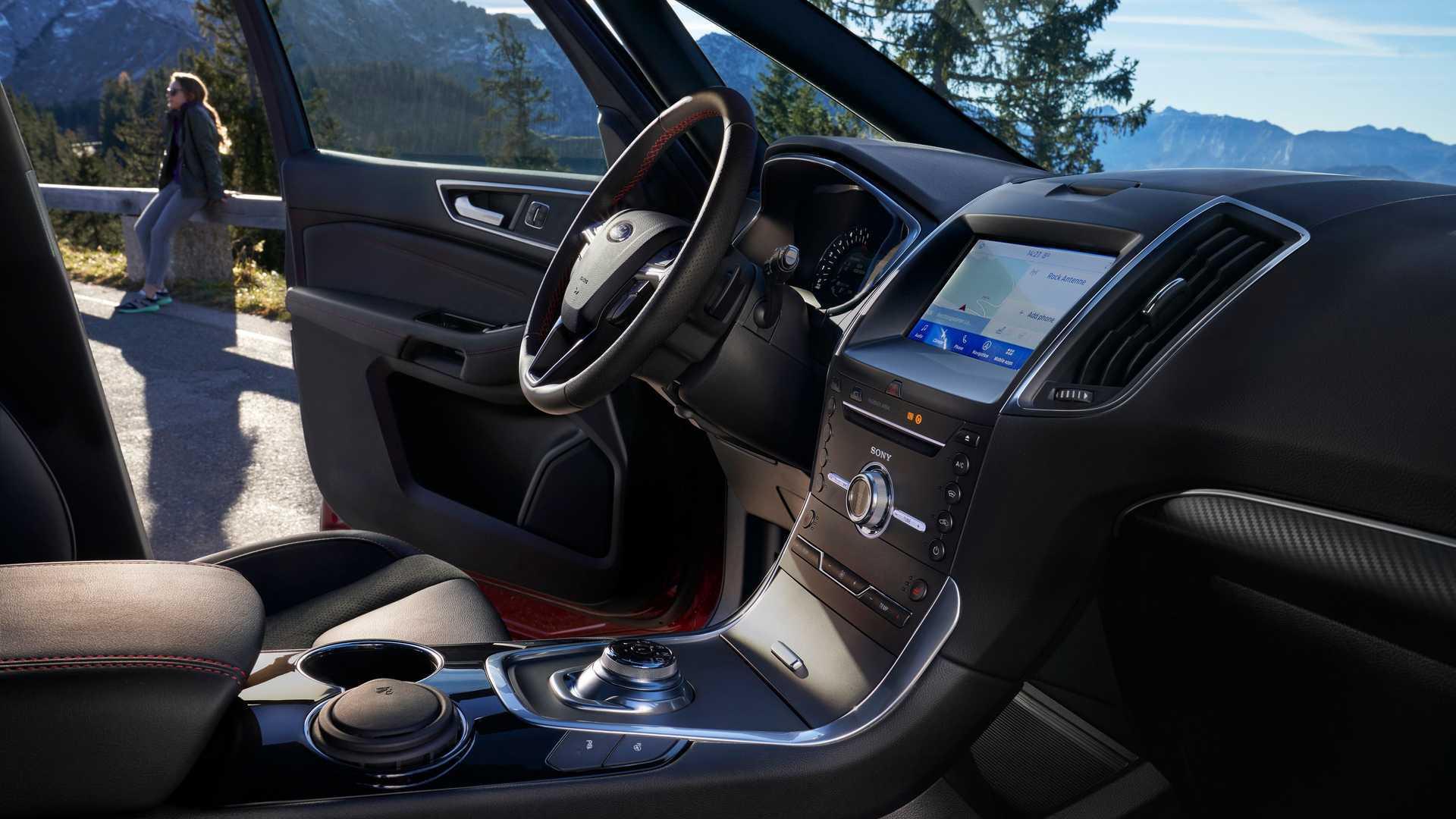 اولین حضور فورد هیبریدی S-Max به عنوان خودرویی با هفت صندلی برقی