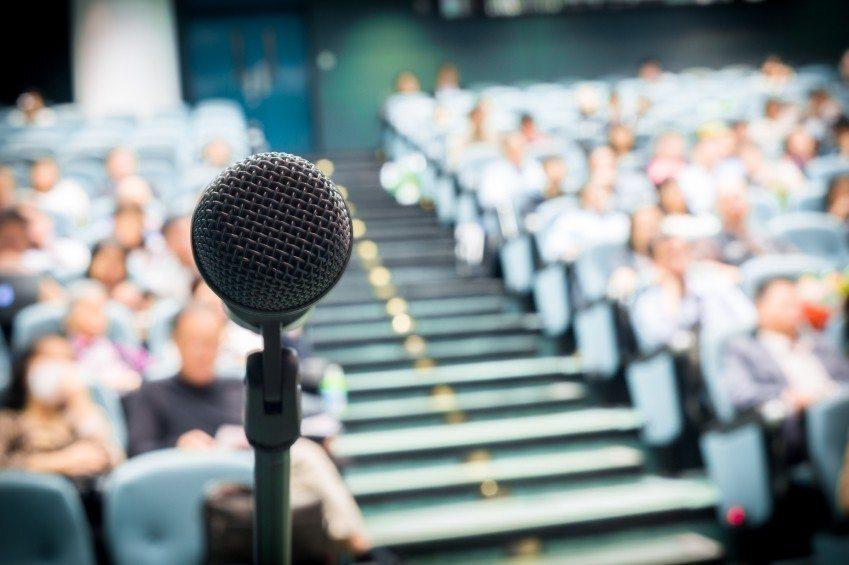 ۴ نکته مهم برای کمک به اولین سخنرانی شما