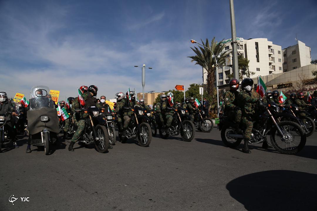 راهپیمایی خودرویی در فارس