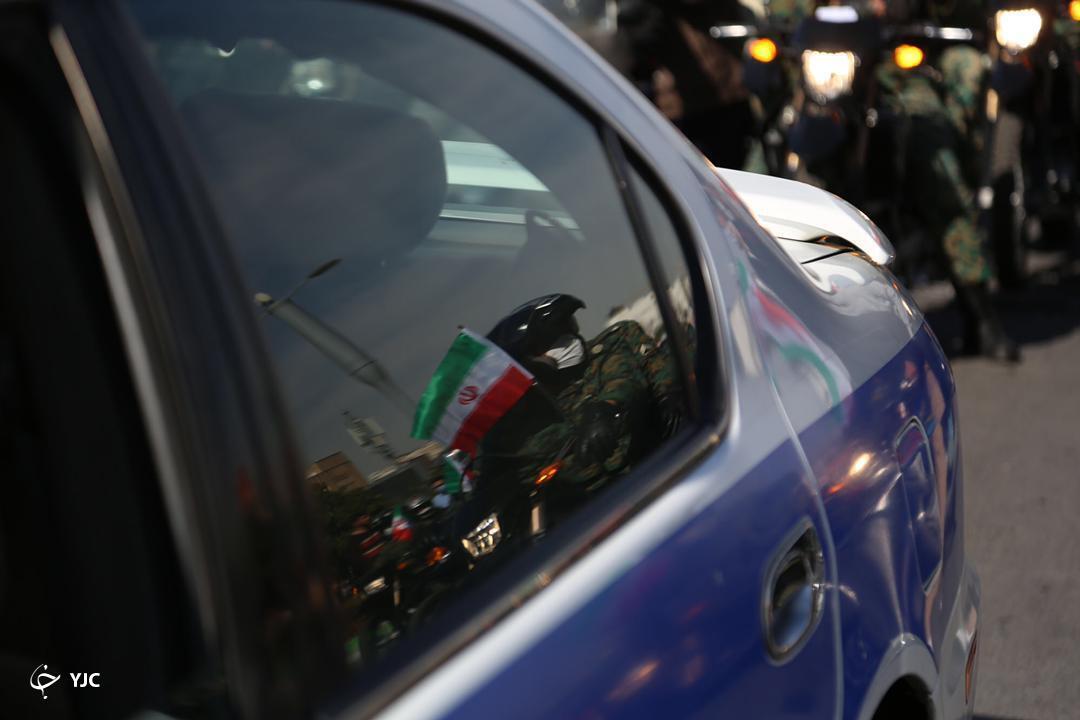 راهپیمایی خودرویی مردم فارس در روز ۲۲ بهمن ماه