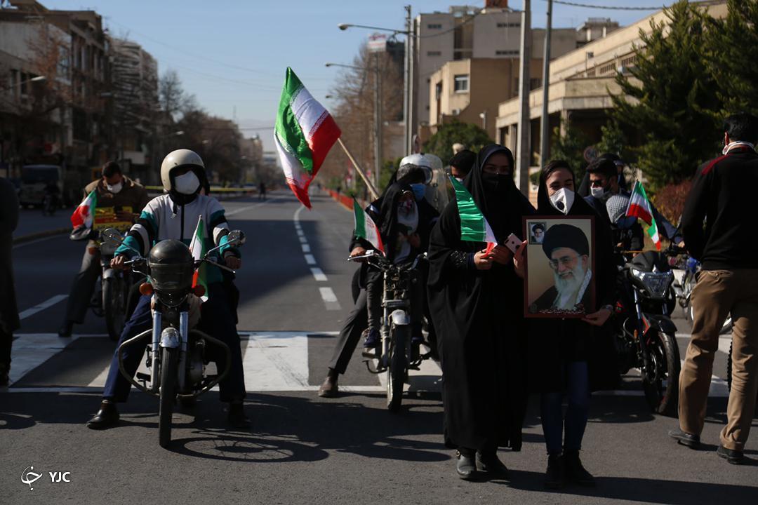 حضور حماسی مردم فارس در راهپیمایی ۲۲ بهمن ماه