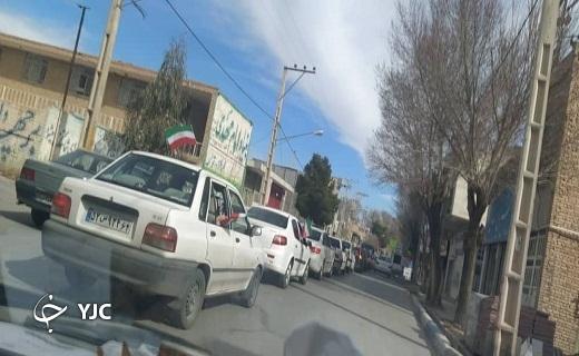 جلوههایی ویژه از شکوه رژه خودرویی بهمن در شهرستانهای یزد
