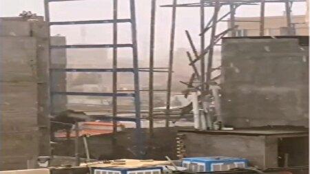سقوط اسکلت فلزی ساختمان در حال ساخت + فیلم