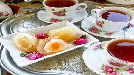 طرز تهیه مربای ترب سفید به شکل گل رز