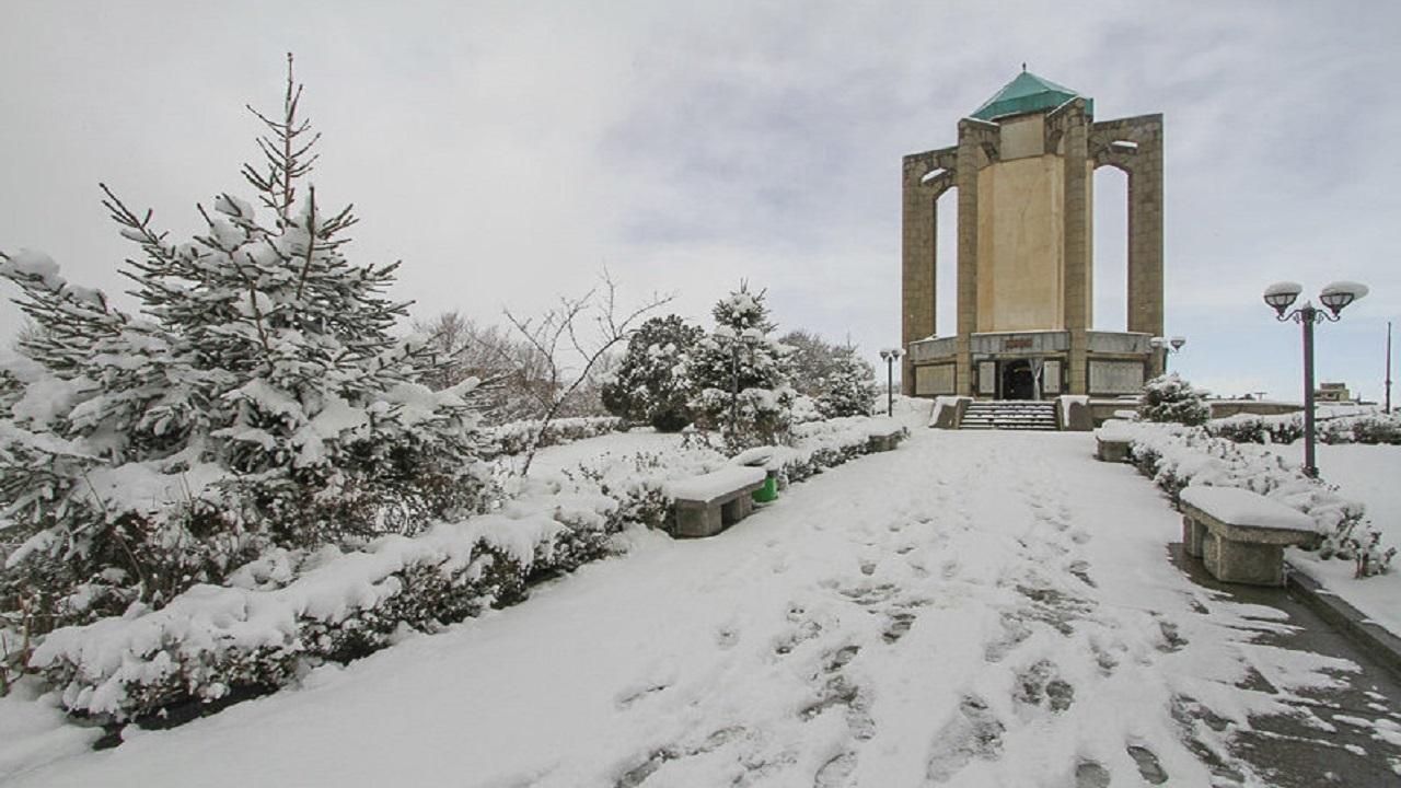 افزایش بیش از ۱۰ درجهای دمای هوا در استان همدان/ سامانه بارشی جدید جمعه میرسد