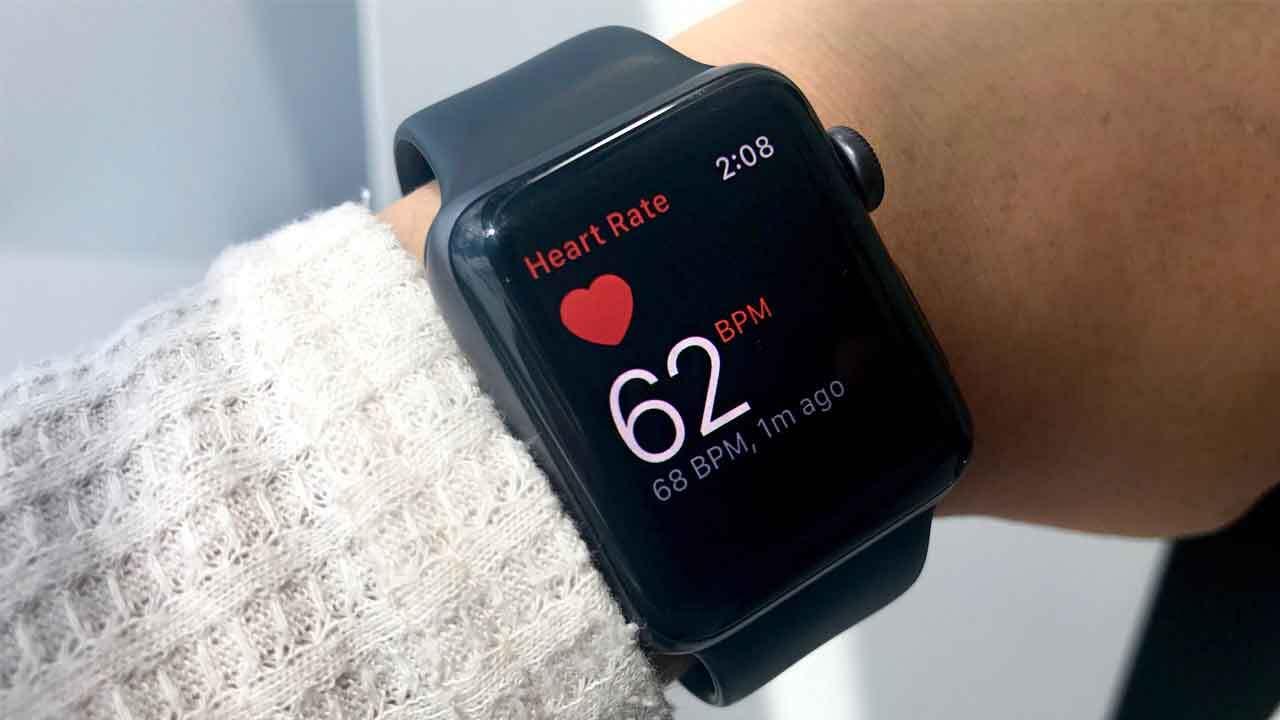 آیفون ۱۲ ممکن است باعث اختلال در عملکرد باتری قلب بیماران شود